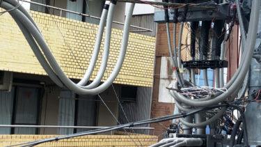 電柱のカラスの巣作り対策│東京電力に連絡してみた。対処は早くやってもらえそう?